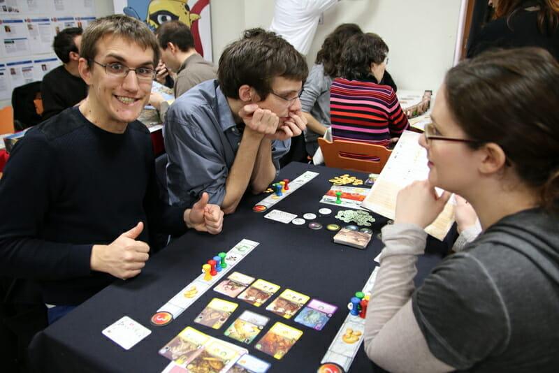 Elysium, table de jeux libres