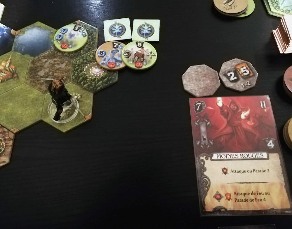 L'extension Les Ombres de Tezla ajoute deux factions ennemies que vous devrez combattre. Capturer cette clairière sacrée s'annonce plus que tendu, mais j'ai déjà fait mon choix !