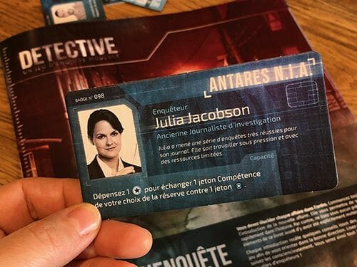 detective-jeu-de-societe-portal-carte-taille-500-ludovox