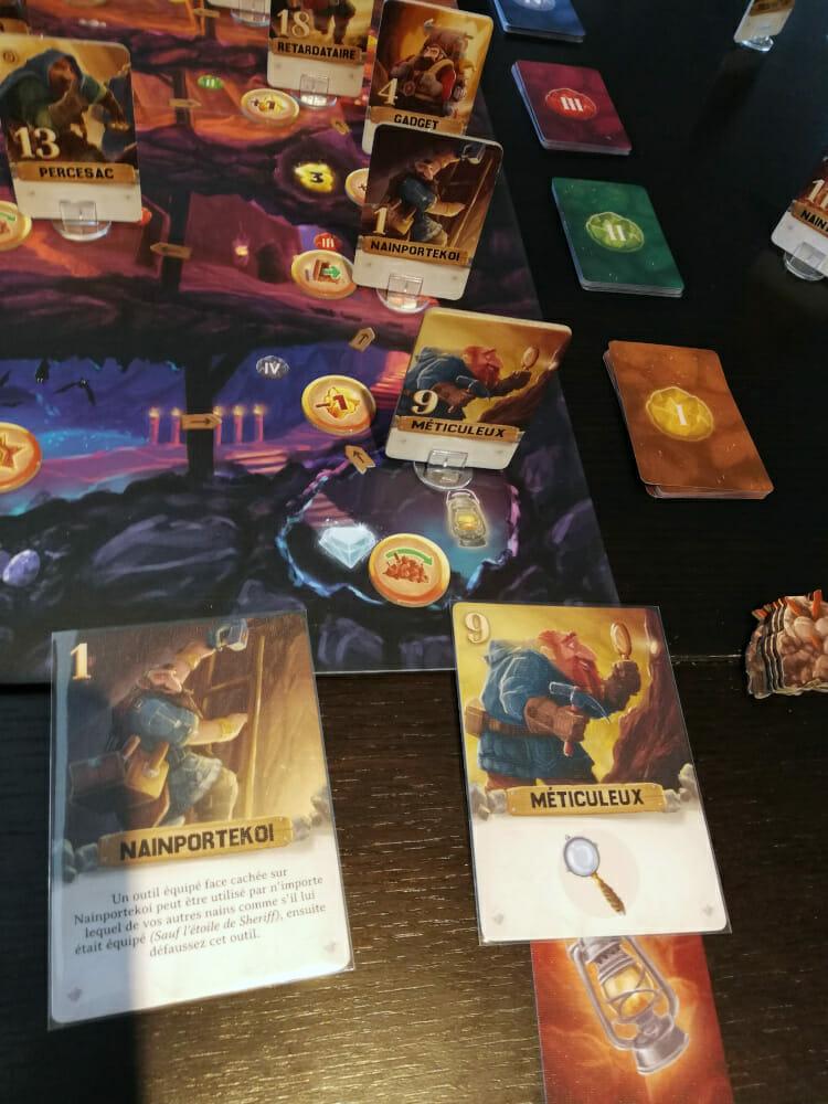 Avec sa lanterne, Méticuleux accède aux alcoves et va faire un carton. Mais si Nainportekoi et Persesac se retrouvent sous les décombres, c'est mort pour lui !