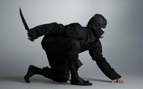 111552__ninja-ninja-black-suit-shinobi-dagger-knife_p