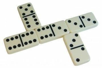 dominos-jumbo-774