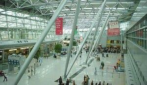 Aéroport accueillant, surtout le matin !