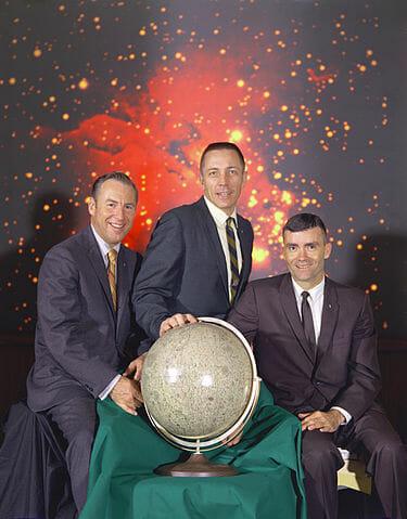 375px-The_Actual_Apollo_13_Prime_Crew_-_GPN-2000-001167