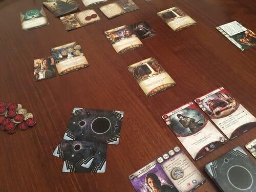 arkham-horror-jeu-de-societe-cartes-overview