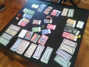 Une table de début de partie, à 3 joueurs. Je vous laisse imaginer à quoi ça ressemble à la find'une partie à 6.